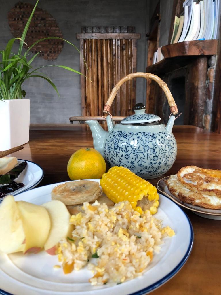 Breakfast at No. 5 Valley Inn